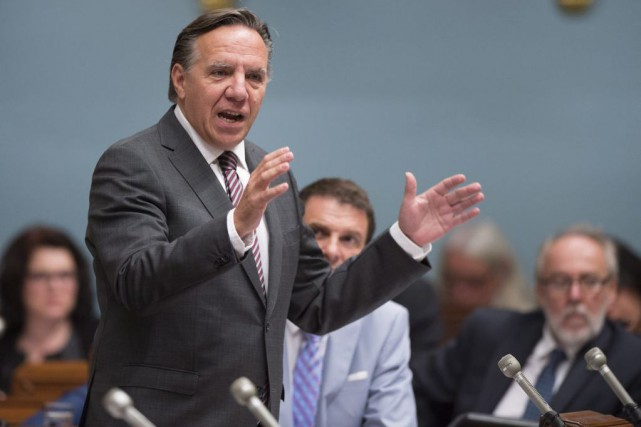 François Legault... (PHOTO JACQUES BOISSINOT, LA PRESSE CANADIENNE)
