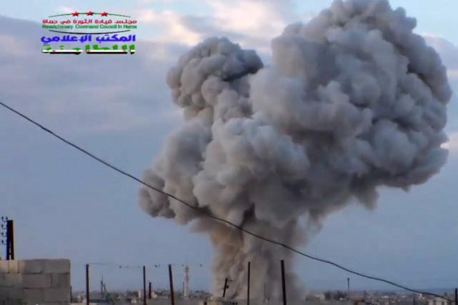 La Russie mène des frappes aériennes contre les... (Photo archives AP)