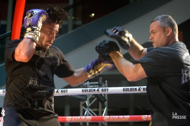 David Lemieux se prépare avec son entraîneur Marc... (Photo Bernard Brault, La Presse)