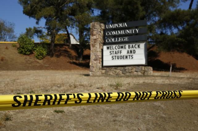 L'étudiant qui a tué jeudi sur un campus de l'Oregon neuf personnes s'est... (PHOTO AP)