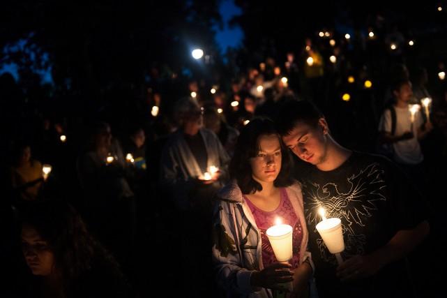 À la suite de la tuerie perpétrée par... (PHOTOAMANDA LUCIER, ARCHIVES THE NEW YORK TIMES)