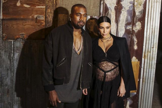 Kanye West aux côtés de sa compagne, lors... (Photo Reuters)