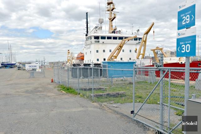 Afin d'étudier le projet d'agrandissement du Port de... (Photothèque Le Soleil, Pascal Ratthé)