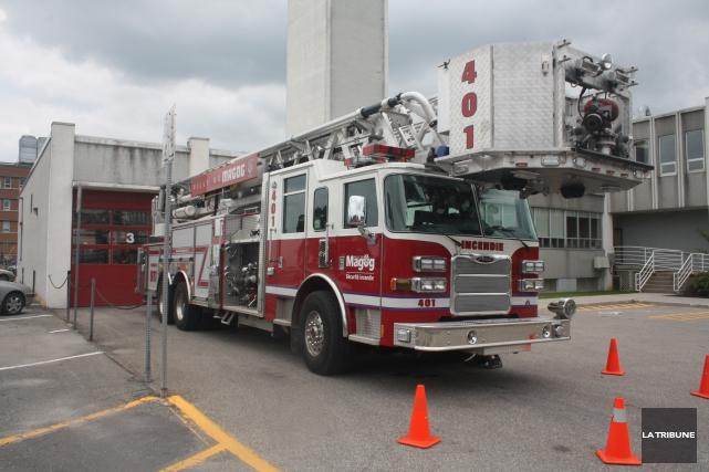 Un nouveau camion de pompier pourrait bientôt être stationné à la caserne... (Archives La Tribune)