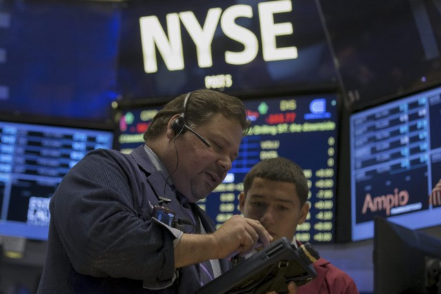 Désormais Wall Street se replie «sur fond de... (PHOTO BRENDAN MCDERMID, REUTERS)