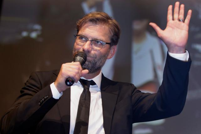 L'entraîneur Jürgen Klopp a quitté le Borussia Dortmund... (Photo Michael Sohn, archives AP)