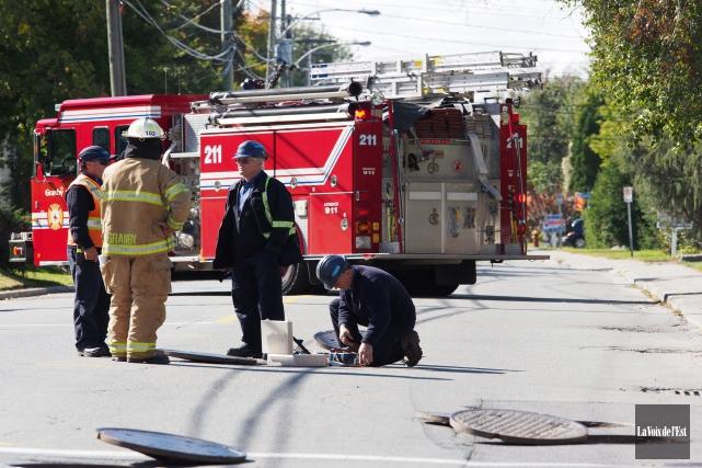 Une fuite de gaz nécessite la fermeture de la Denison à Granby entre les rues... (Alain Dion, La Voix de l'Est)