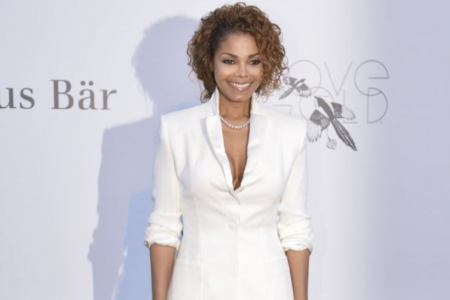 La «reine de la pop» Janet Jackson et les rockers - au goût mexicain - de Los... (PHOTO ARCHIVES AFP)
