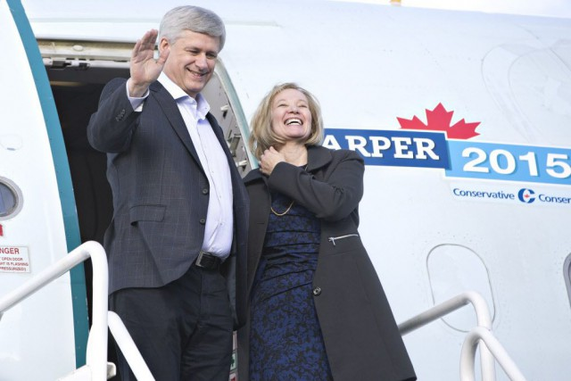 Stephen Harper, et sa femme Laureen.... (Photo Jason Franson, La Presse canadienne)