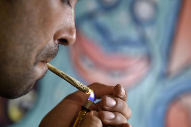 Le chef libéral Justin Trudeau propose de légaliser... (Archives AFP)