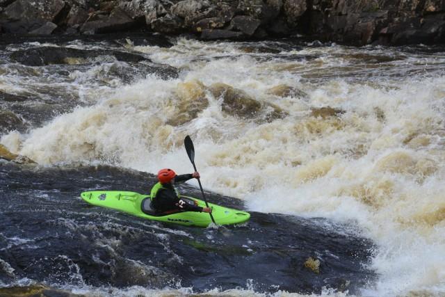 Des jeunes étrangers de 14 à 18 ans... ((Photo Courtoisie Québec Raft))