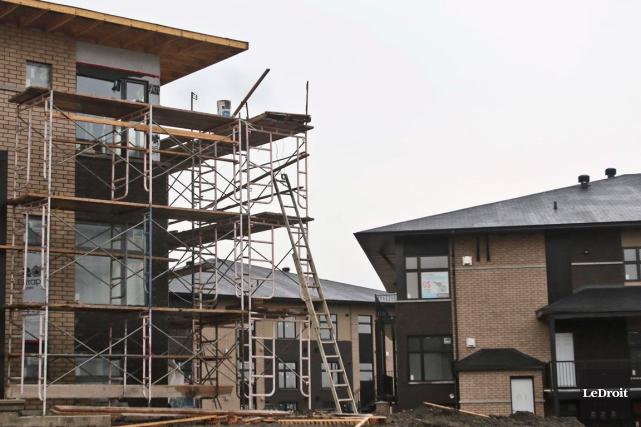 La tendance des mises en chantier d'habitations s'est accélérée en septembre au... (Patrick Woodbury, archives LeDroit)