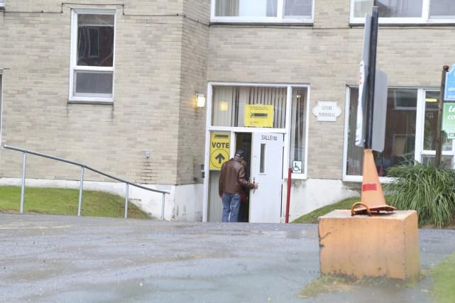 Le vote par anticipation pour ces élections fédérales... (Photo Janick Marois)