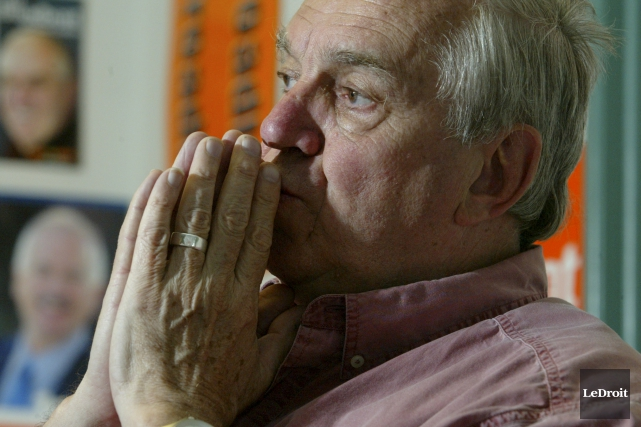 Ed Broadbent... (Archives, LeDroit)