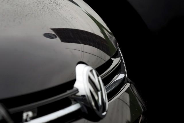 De gros achats d'actions Volkswagen faisaient grimper le titre à la Bourse de...