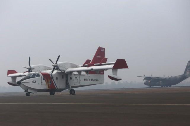 L'Indonésie avait accepté jeudi l'aide internationale pour combattre... (Photo AP)