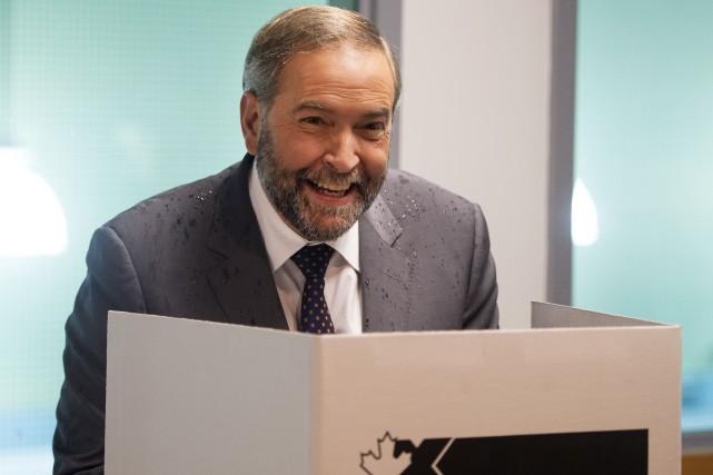 Tom Mulcair vote par anticipation à Montréal.... (La Presse Canadienne)