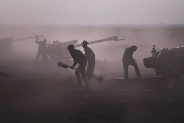 Aidée par les frappes russes, l'armée syrienne a... (PHOTO ALEXANDER KOTS, AP)