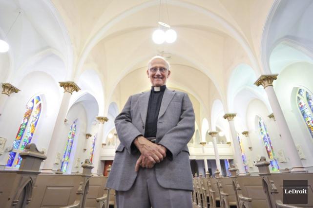 L'abbé Maurice Dionne est confiant que la population... (Martin Roy, LeDroit)