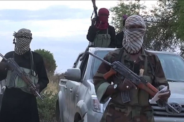 Des membres présumés du groupe nigérian Boko Haram.... (PHOTO ARCHIVES AFP/CAPTURE D'ÉCRAN YOUTUBE)