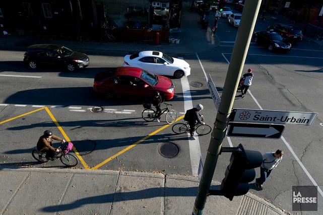 En 2014, 52 piétons et 11 cyclistes ont... (PHOTO FRANÇOIS ROY, ARCHIVES LA PRESSE)
