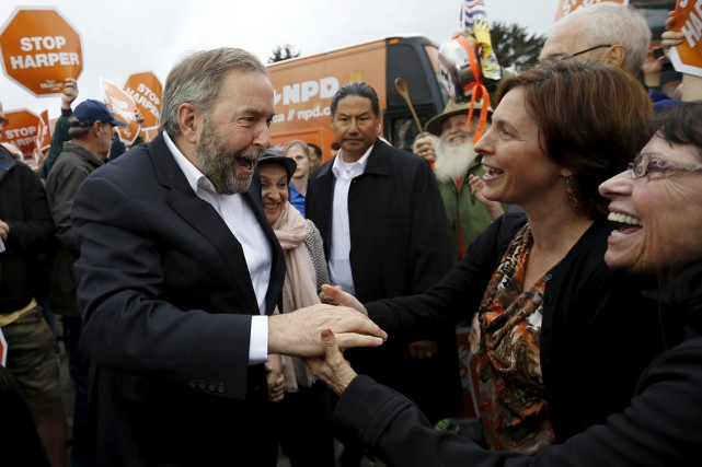 Thomas Mulcair a rencontré plusieurs centaines de militants à... (PHOTO JIM YOUNG, REUTERS)