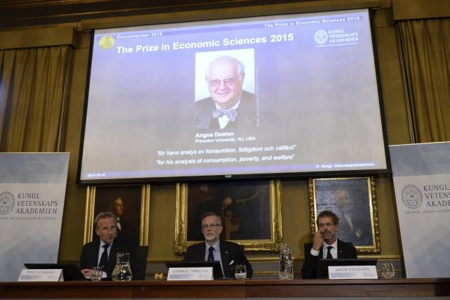Le jury suédois a décerné le Nobel d'économie... (Agence France-Presse, Jonathan Nackstrand)