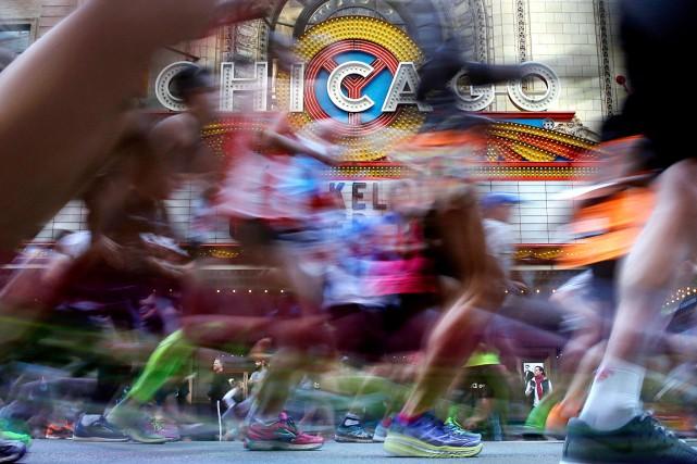 Le couple s'est marié au marathon de Chicago... (Photo Nam Y. Huh, AP)