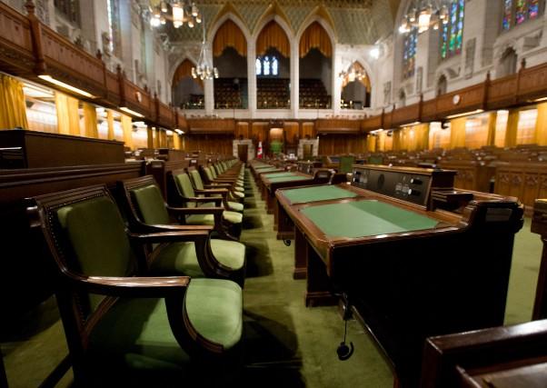 Depuis un quart de siècle, le Québec mandate les partis de l'opposition pour... (Photo Adrian Wyld, archives La Presse Canadienne)