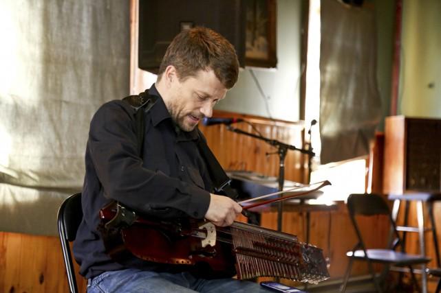 Le musicien professionnel Alex Kelher était de passage... (Photo Julie Catudal)