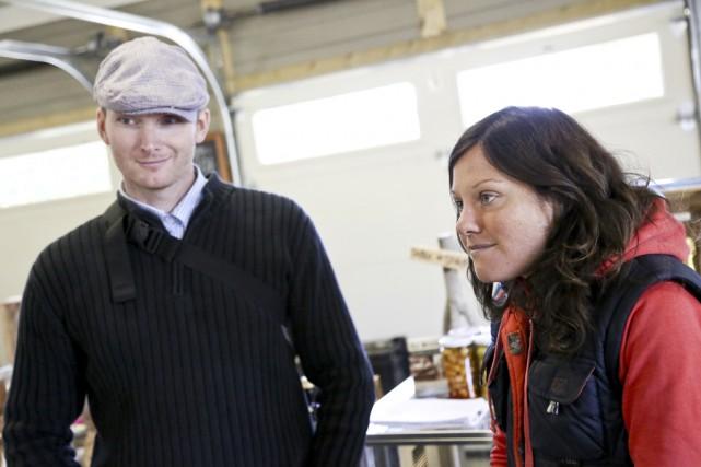 Le secrétaire Étienne Gosselin et la coordonnatrice Julie... (Photo Julie Catudal)