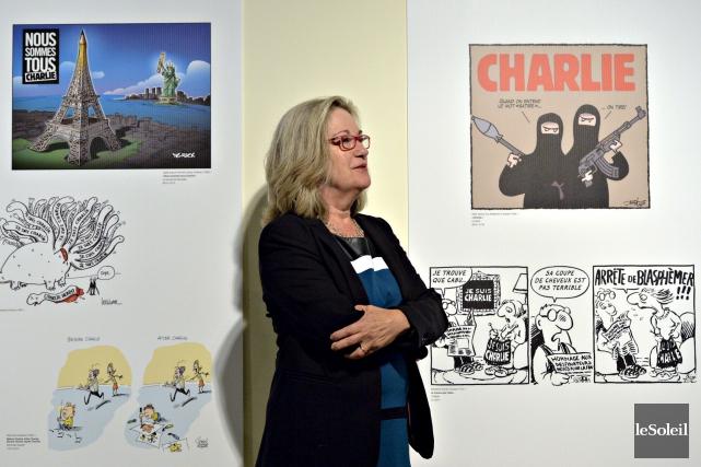 Mira Falardeau est la commissaire de l'exposition L'arme... (Le Soleil, Pascal Ratthé)
