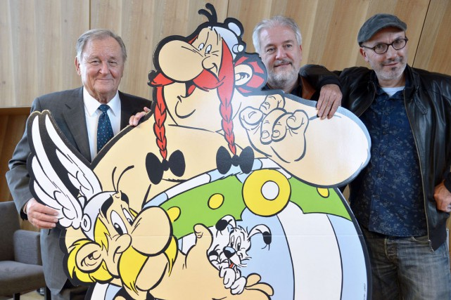 Albert Uderzo a donné sa bénédiction au dessinateur... (PHOTO AFP)