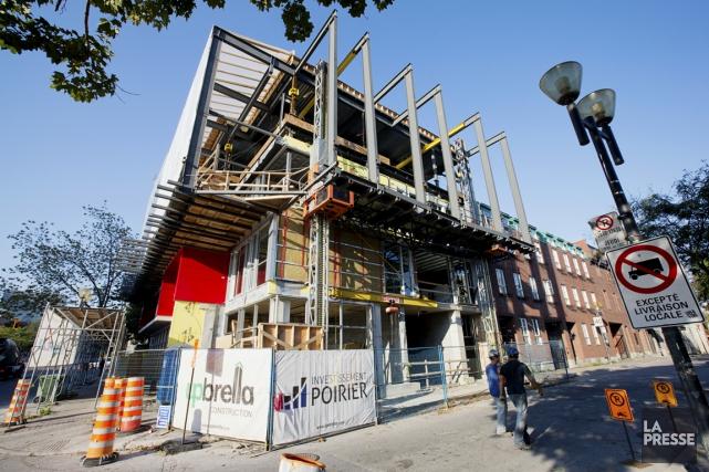 L'immeuble devrait être fini à temps pour le... (Photo Alain Roberge, La Presse)