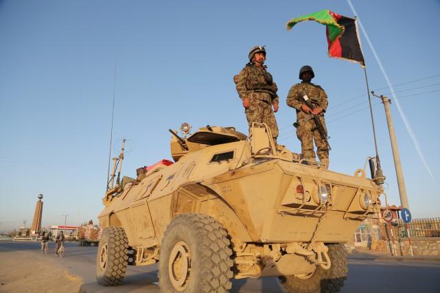 Les rues de Ghazni étaient désertes mardi, au... (PHOTO RAHMATULLAH ALIZADAH, AFP)