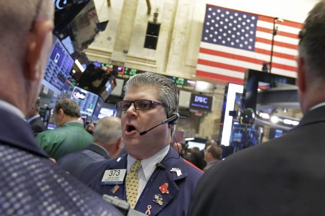 Désormais, Wall Street rebondit «au lendemain d'une petite... (PHOTO ASSOCIATED PRESS, RICHARD DREW)