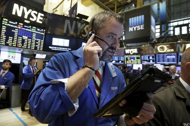 Sur Wall Street, la moyenne Dow Jones des... (Associated Press)