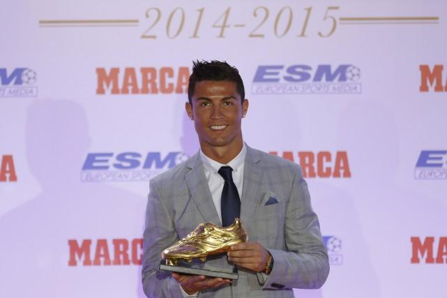 Cristiano Ronaldo areçu mardi son quatrième Soulier d'Or... (AFP, Javier Soriano)