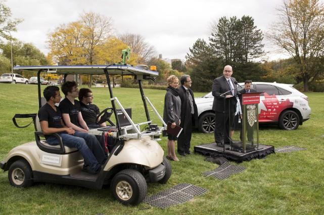 Le ministre ontarien des Transports, Steven Del Duca,... (Hannah Yoon, La Presse Canadienne)