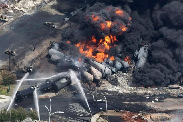 Le déraillement d'un convoi transportant du pétrole brut... (Archives La Presse Canadienne)