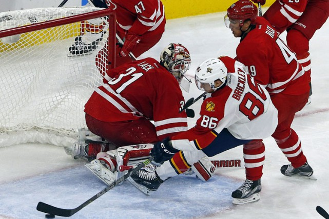 Connor Brickley a marqué son premier but dans la LNH, Alexsander Barkov a donné... (PHOTO AP)