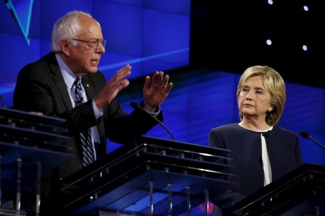 Hillary Clinton a affiché calme et assurance face... (Agence France Presse)
