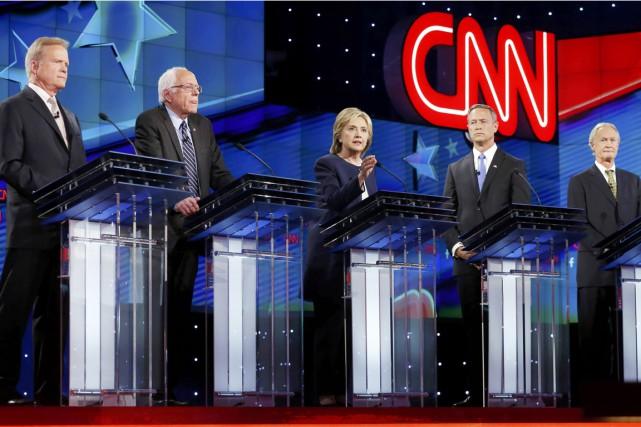 Les cinq candidats aux primaires démocrates pour la... (PHOTO LUCY NICHOLSON, REUTERS)