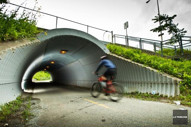 Pour favoriser le transport actif, la Ville de Sherbrooke compte ajouter 90 km... (Archives La Tribune, Jessica Garneau)