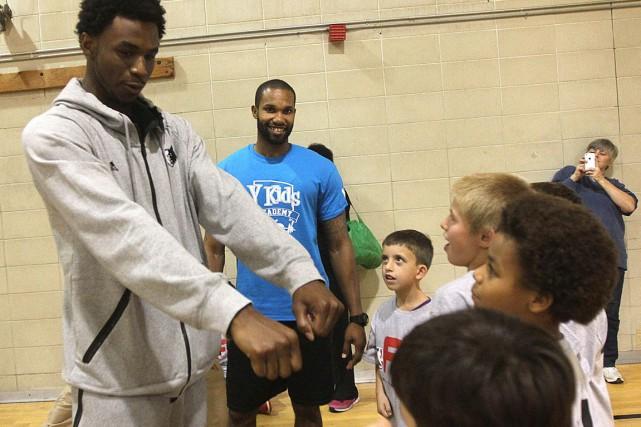 Andrew Wiggins était au YMCA Taggart du centre-ville... (Étienne Ranger, LeDroit)