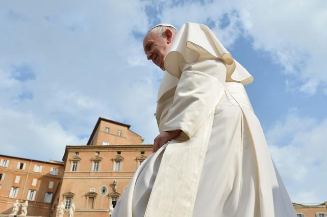 Le pape François n'a pas précisé de quels... (PHOTO VINCENZO PINTO, AFP)