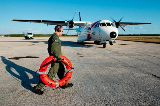 Les secours ont lancé d'importantes recherches auxquelles ils... (PHOTO AFP)
