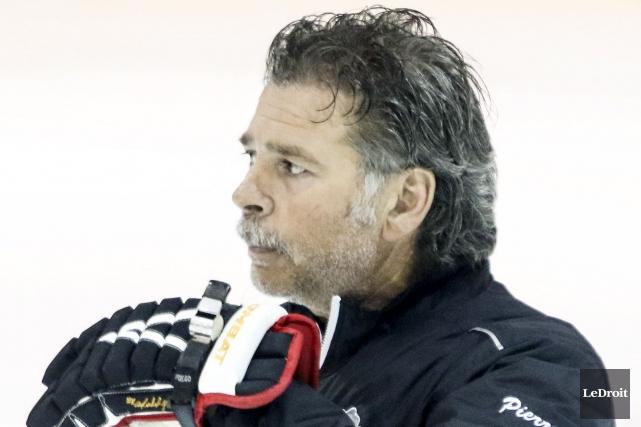 L'entraîneur-chef Pierre Grandmaison estime ses Flames de Gatineau... (Patrick Woodbury, archives LeDroit)