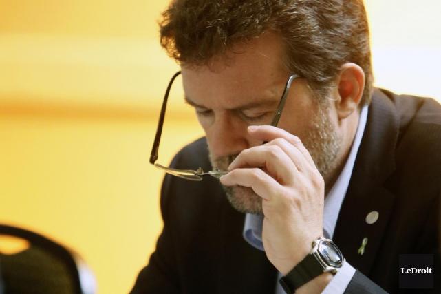 Le maire Maxime Pedneaud-Jobin tient à respecter le... (Simon Séguin-Bertrand, Archives LeDroit)