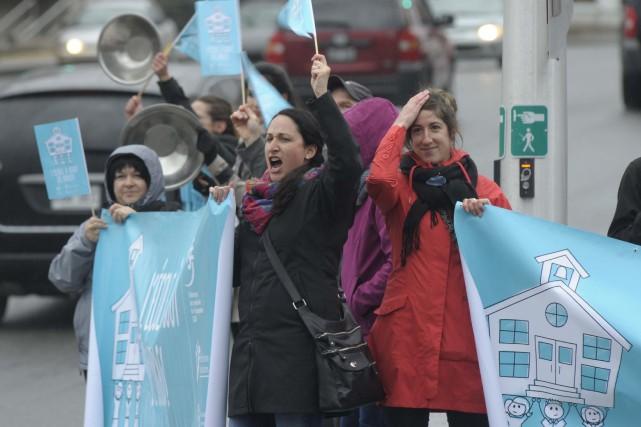 Les enseignants du Québec dénoncent depuis plusieurs mois... (Sylvain Mayer)